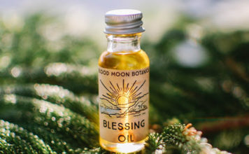 Wiccan Blessing Oil For Prayer, Healing, Purification & Protection